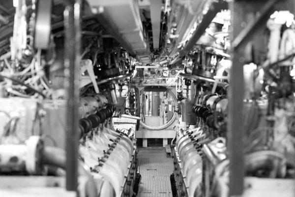motorenraum-uboot-hms-otus-in-sassnitz-auf-ruegen